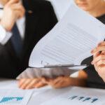Hur går tillsynen över LSS- och SoL-verksamheter till?